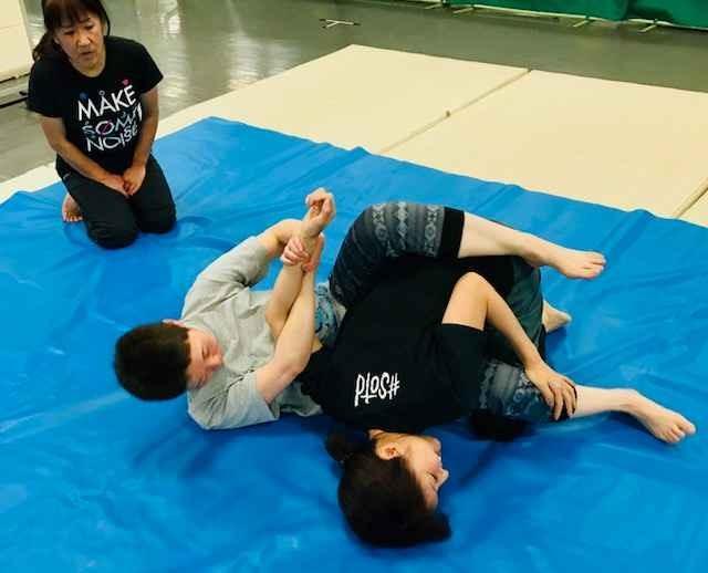 池袋で柔術を楽く学ぼう! 柔術基本(護身)グループレッスン