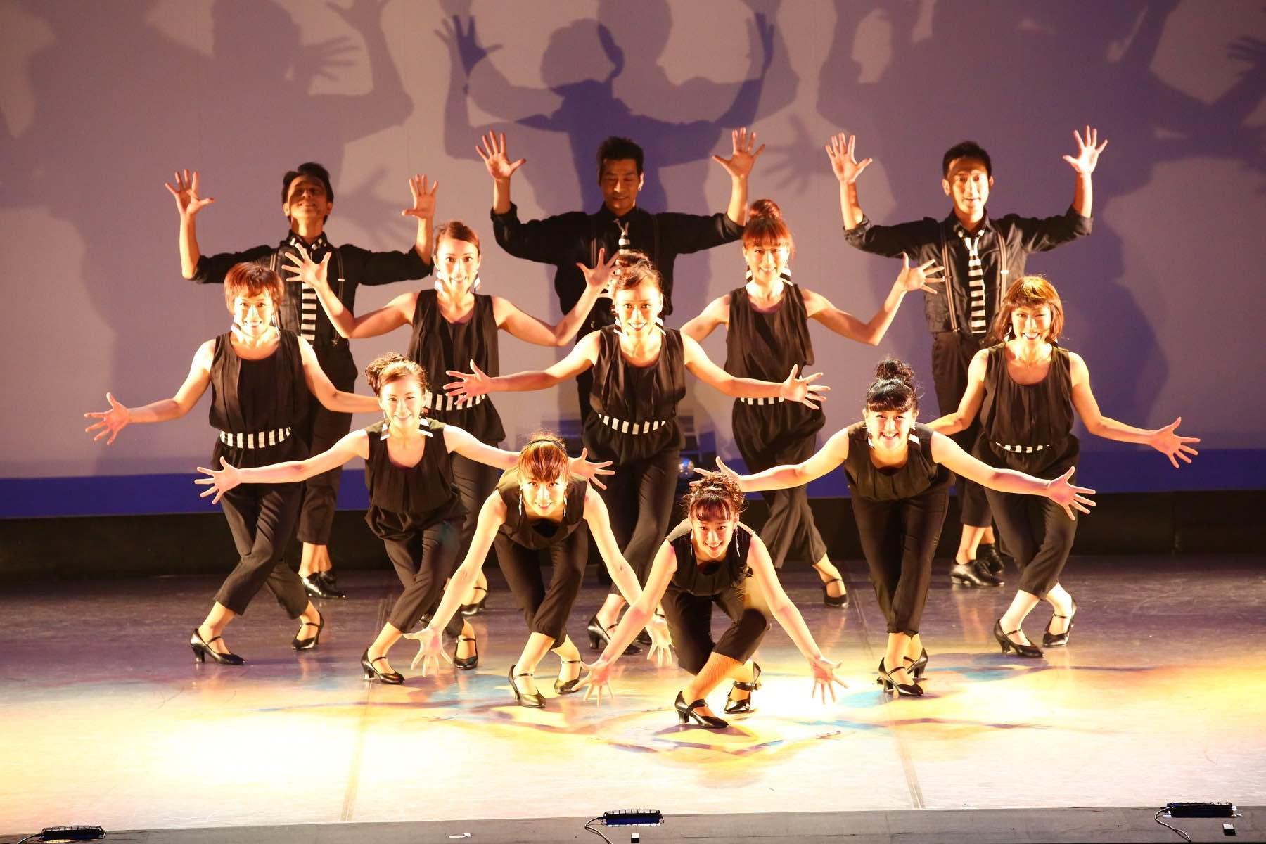 HAND-CLAP DANCE GYM