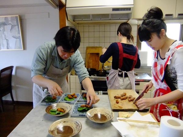 Cooking in トラテーザ