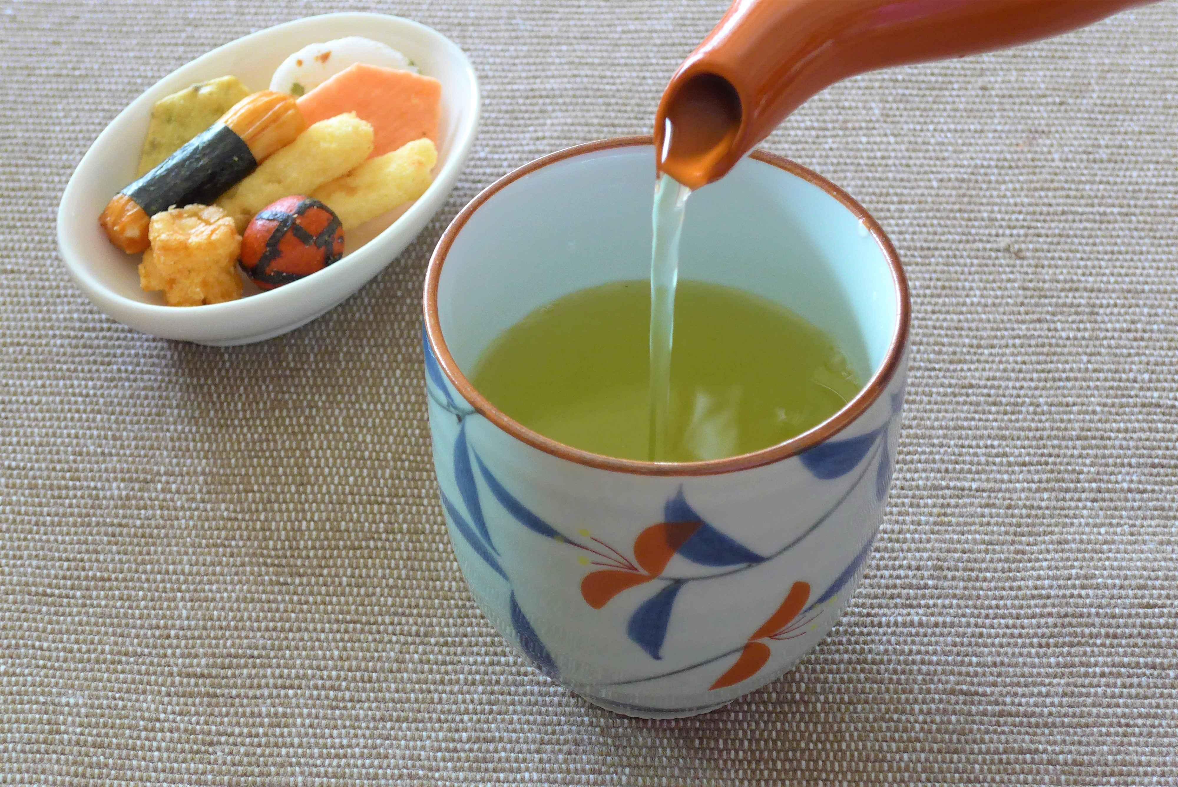 【初心者向け】急須で美味しい日本茶(煎茶)を淹れる×水出し冷茶の作り方