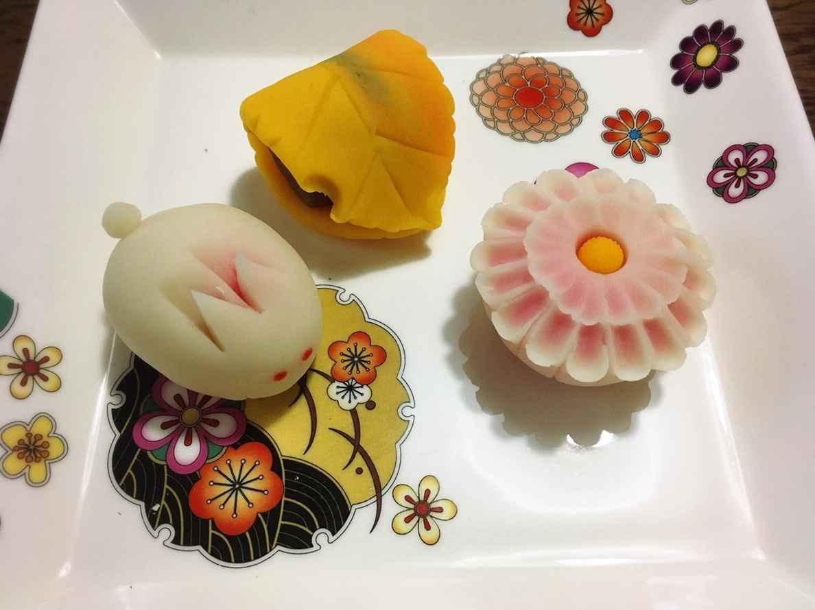 季節の練切り和菓子を作りましょう