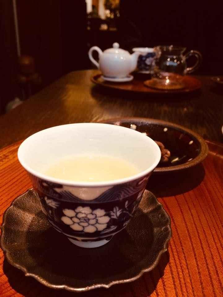 冬のゆったりヨガと瞑想&台湾中国茶の夕べ クリスマススペシャル