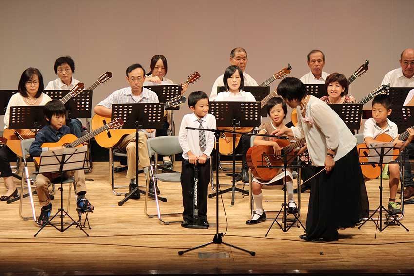 長谷部ギター・ウクレレ教室  中野校