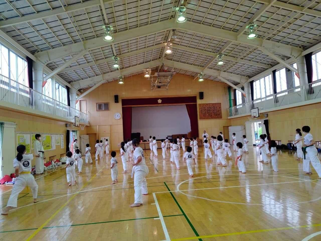 横浜市鶴見区新鶴見(矢向)空手クラブ 3歳からの空手